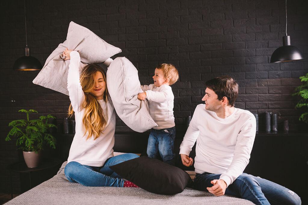 Στο σπίτι με τα παιδιά; Πώς θα δεθείτε περισσότερο μαζί τους;