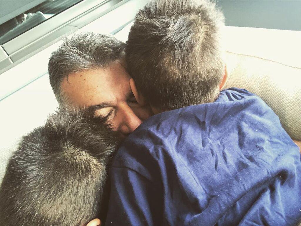 Ο Γιώργος Λιάγκας έχει αδυναμία στους γιους τους και συχνά μοιράζεται μαζί μας στιγμές από τον χρόνο που περνάει μαζί τους.