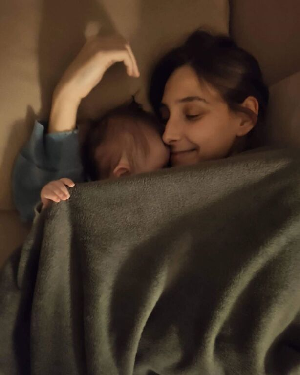Φωτεινή Αθερίδου: Δείτε τι κάνει στο σπίτι με τον γιο της που μεγάλωσε πολύ (vid)