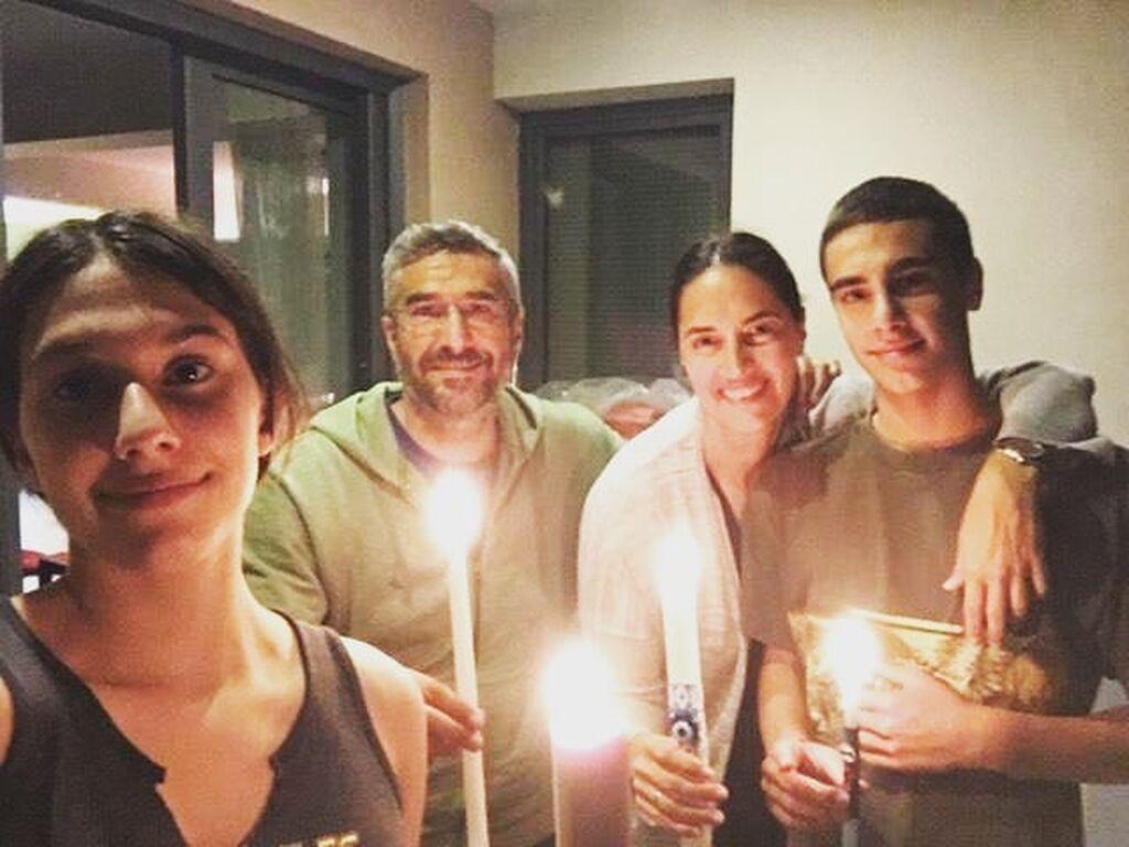 """Νόνη Δούνια: """"Χριστός Ανέστη! Υγεία, αισιοδοξία και χαμόγελα"""", ευχήθηκε η βουλευτής της ΝΔ η οποία έκανε Ανάσταση με την οικογένειά της."""