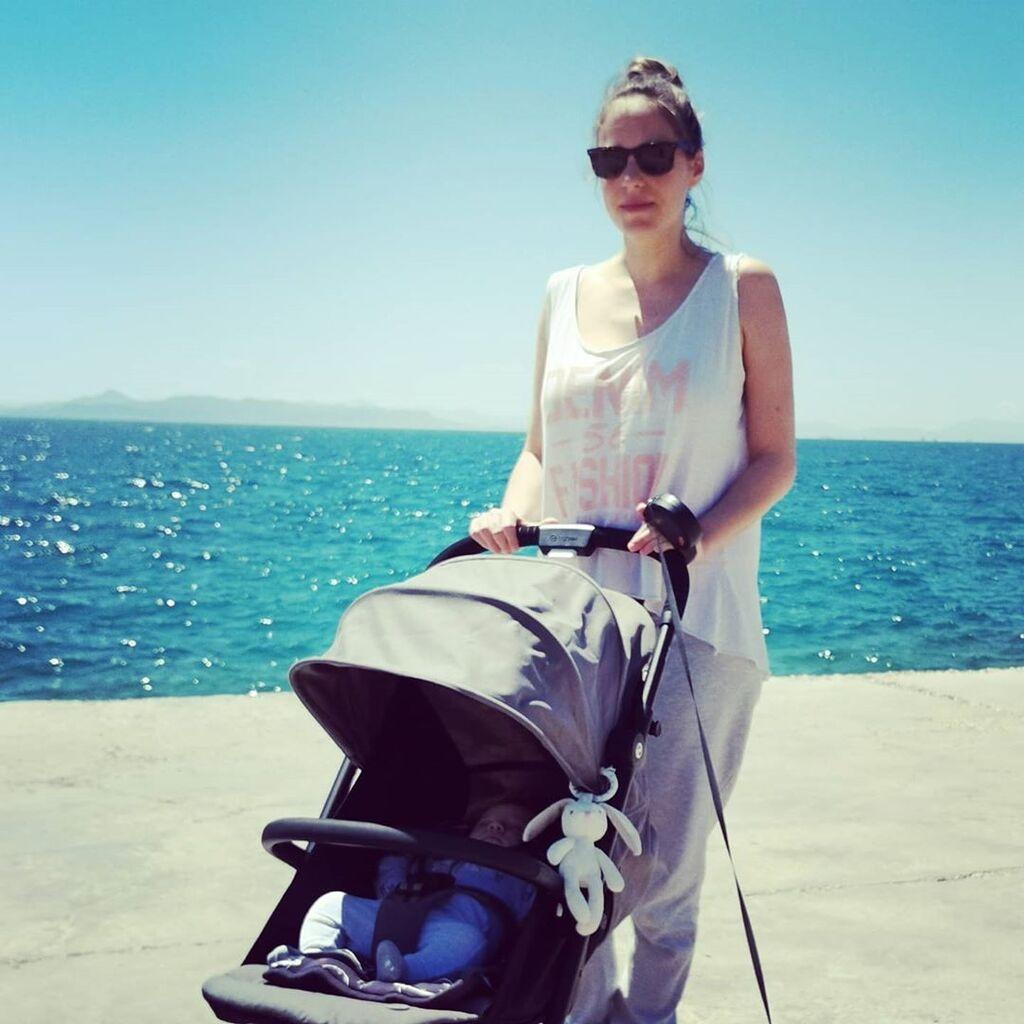 Αλεξάνδρα Ούστα: Ποζάρει με τον δύο μηνών γιο της - Δείτε την πρώτη φώτο που ανέβασε μαζί του (pics)