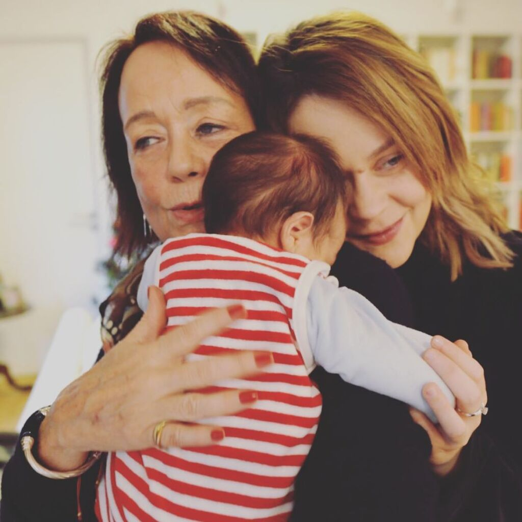 Λένα Παπαληγούρα: Η τρυφερή φώτο με τον γιο και τη μαμά της με αφορμή της Γιορτή της Μητέρας (pics)