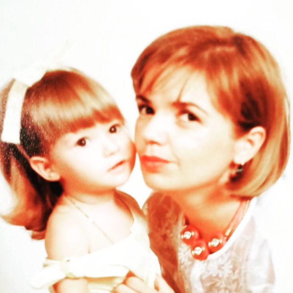 Η Νάντια Κοντογεώργη με αφορμή τη γιορτή της Μητέρας μας δείχνει την πανέμορφη μαμά της (pic)