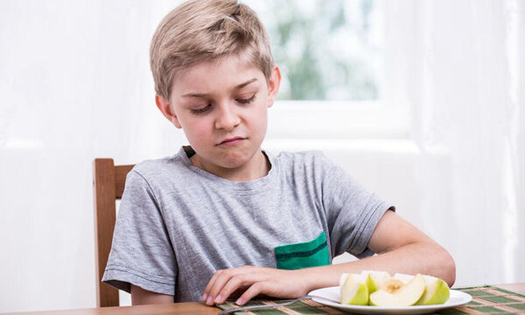 Βεβαιωθείτε ότι το παιδί σας τρώει ένα υγιεινό πρωινό. Ένα πρωινό γεύμα με δημητριακά ολικής αλέσεως και πρωτεΐνες, όπως ένα κομμάτι τοστ ολικής αλέσεως με φυστικοβούτυρο, θα το βοηθήσει να έχει ενέργεια χωρίς να πεινάει.
