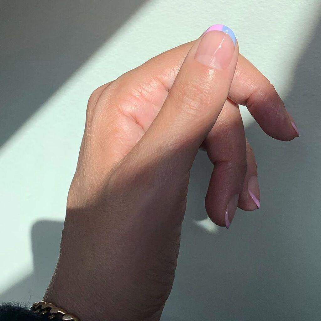 Ιδέες για μανικιούρ: Πώς να βάψεις τα νύχια σου αν έχεις κλείσει ραντεβού