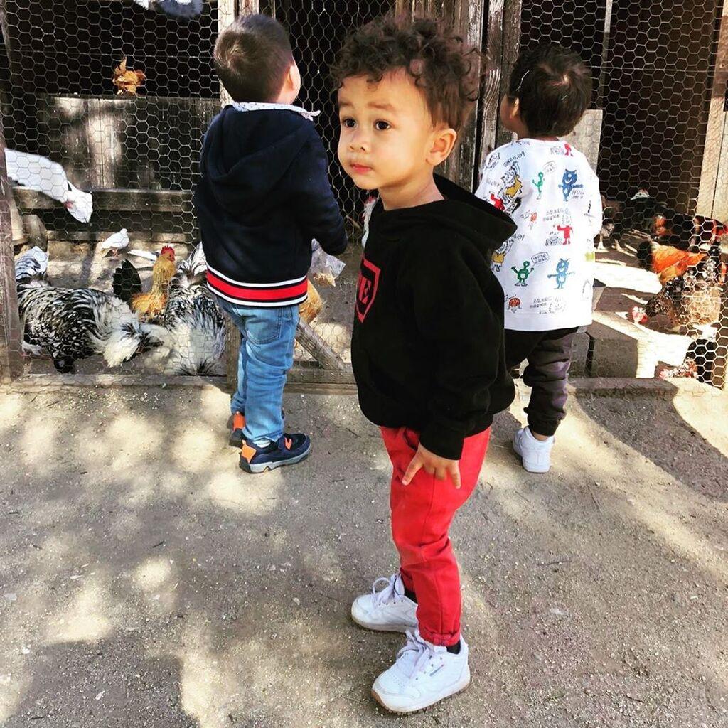 Ο γιος της Chrissy Teigen γίνεται 2 ετών & αυτές είναι οι φώτο του που έκαναν θραύση στο Instagram
