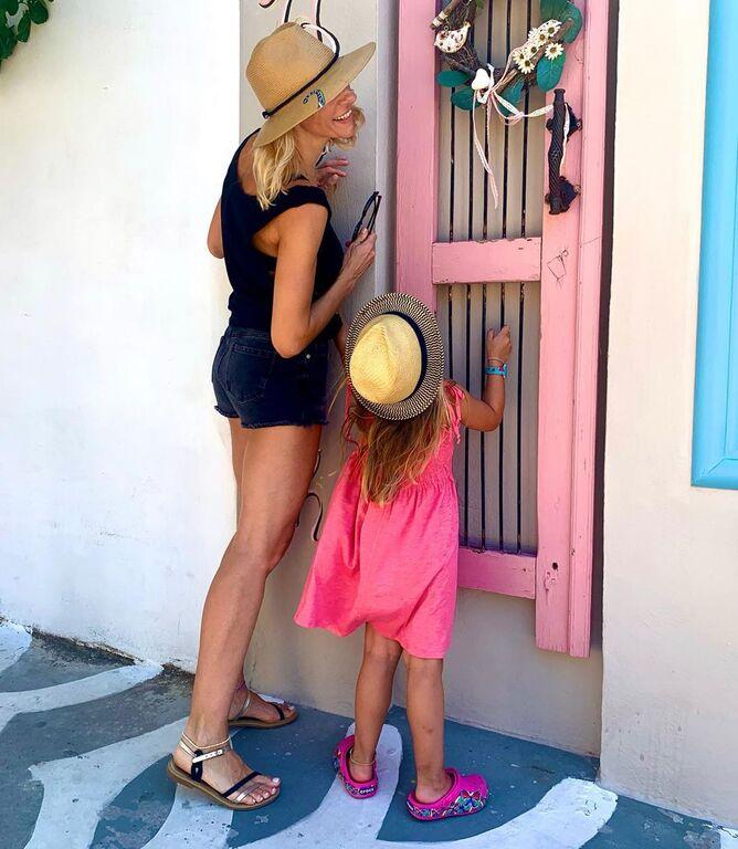 Ζέτα Δούκα: Βγάζει την ίδια φωτογραφία με την κόρη της εδώ και 3 χρόνια