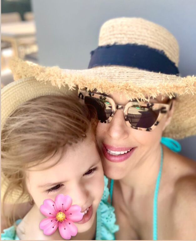 Κόρη ποιας διάσημης Ελληνίδας μαμάς είναι η μικρή που βουτάει;
