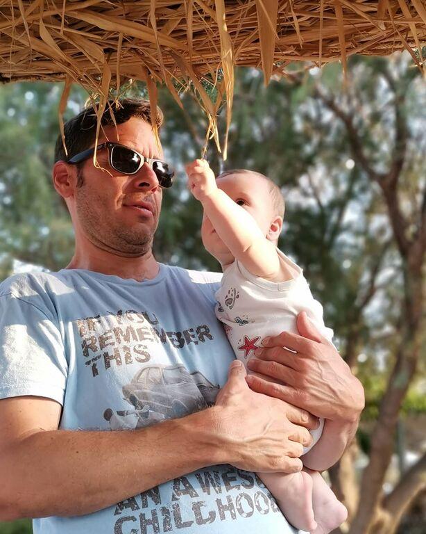Αλεξάνδρα Ούστα: Η σπάνια φωτογραφία με τον σύζυγο και το μωρό τους