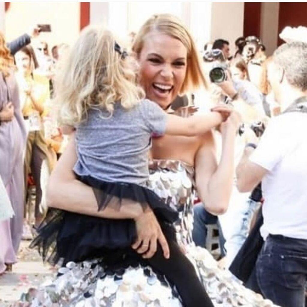 Βίκυ Καγιά: Η κόρη της έχει γούστο & αυτές οι φώτο το αποδεικνύουν (pics)