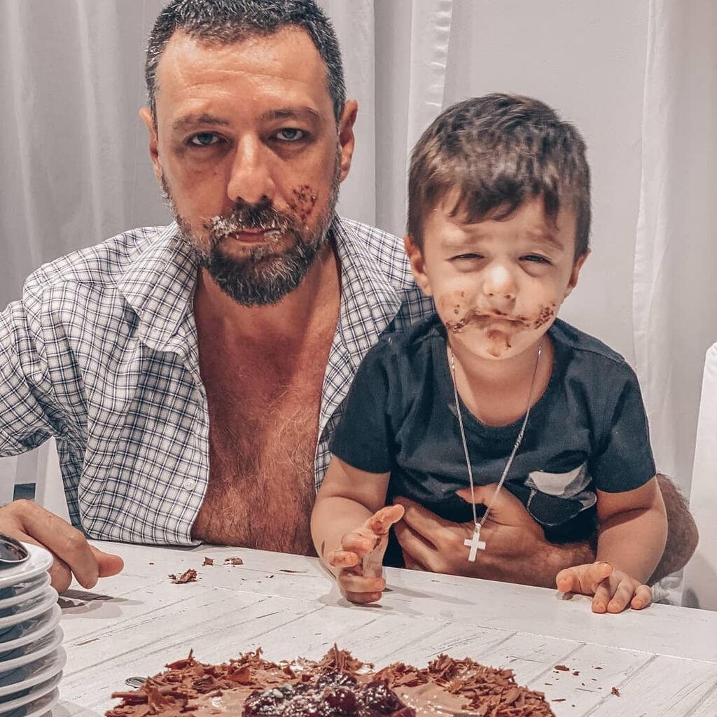 Παπαγιάνης: Ο γιος του κλέβει ξανά την παράσταση στις νέες φωτογραφίες του