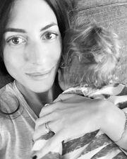 Φλορίντα Πετρουτσέλι: Η κόρη της είναι στη δική της κουζίνα και μαγειρεύει