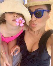 Σίσσυ Φειδά: Αγκαλιές και φιλιά με την κόρη της – Δείτε υπέροχες φώτο