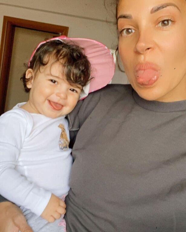 Ελένη Χατζίδου: Η  απίθανη selfie με την κόρη της και το αισιόδοξο μήνυμα