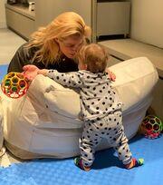 Τζένη Μπότση: Μας δείχνει μια γωνιά απ' το παιδικό δωμάτιο της μικρής Αλίκης
