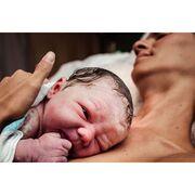 Μαμά και νεογέννητο: Η πρώτη αγκαλιά μέσα από εκπληκτικές φωτογραφίες