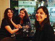 Πόπη Τσαπανίδου: Μας δείχνει τις κόρες της πριν από 25 χρόνια