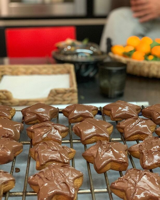 Δέσποινα Βανδή: Ο γιος της έφτιαξε μπισκότα - Δείτε φωτογραφίες
