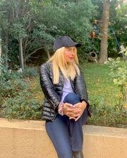«Κλέψε» το καπέλο του συζύγου σου και φόρεσέ το, όπως η Ελένη Μενεγάκη