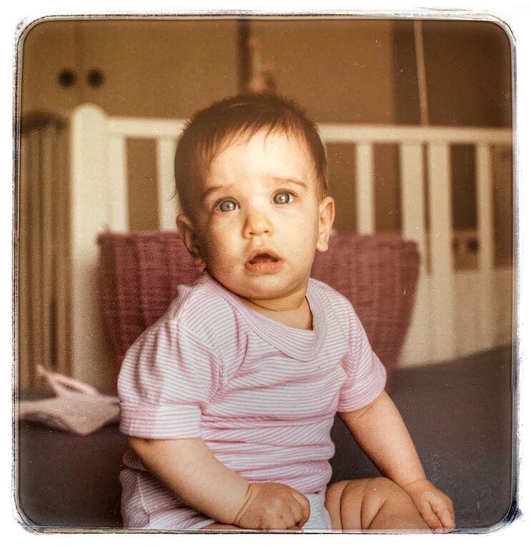 Αυτό είναι το πιο μικρό μου «εγώ»..! #ηδίπλαστομπούτι #ηαπορίαστομάτι Photo by who knows