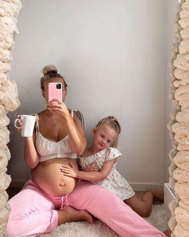 Τις φωτογραφίες αυτής της μέλλουσας μαμάς αξίζει να τις δείτε (pics)