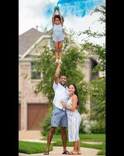 Τα ακροβατικά μπαμπά και κόρης τρέλαναν το διαδίκτυο (pics+vid)