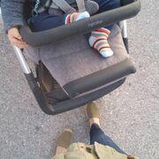 Ιωάννα Παππά: Βόλτα με τον γιο της στο κέντρο της Αθήνας (pics)