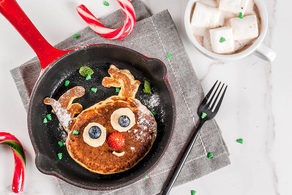 Πρωινό για παιδιά: 5+1 προτάσεις για χριστουγεννιάτικα pancakes