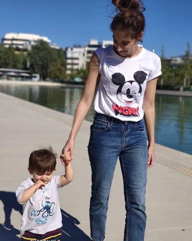 Φωτεινή Αθερίδου: H πιο αστεία φώτο με τον σύντροφό της και τον γιο τους
