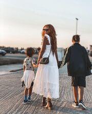 Tο κοριτσάκι της φωτογραφίας είναι γνωστή Ελληνίδα παρουσιάστρια