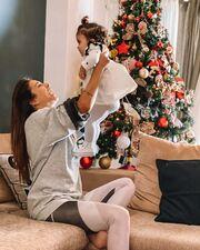 Ελένη Χατζίδου: Ποιον ηθοποιό της θυμίζει η κόρη της (pics)