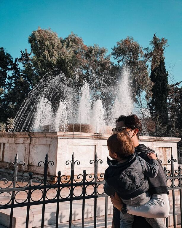 Δήμος Αναστασιάδης: Δείτε πώς φωτογραφήθηκε με τον γιο του (pics)