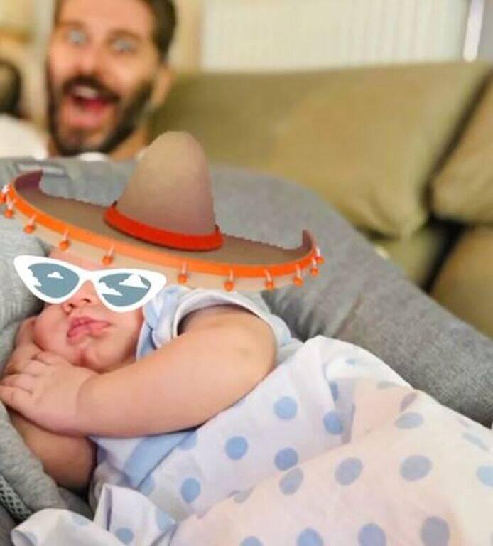 Αλέξανδρος Μπουρδούμης:Δείτε πώς φωτογράφισε τη γυναίκα του με τον γιο τους