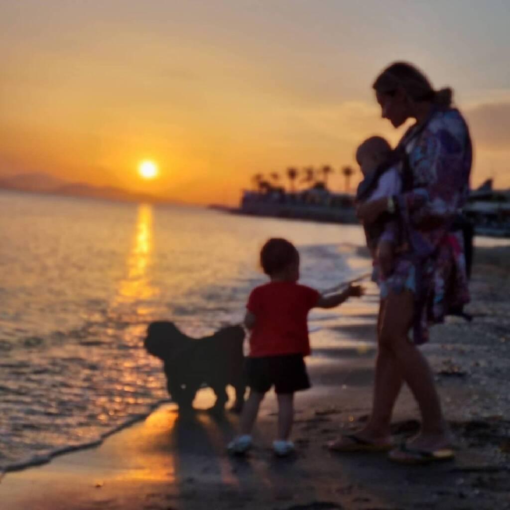 Μιλλούση - Πετρούνιας: Η βόλτα με τις κόρες τους που τις ενθουσίασε