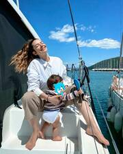 Νικολέττα Ράλλη: Kάνει beauté παρέα με την ενός έτους κόρη της (pics)