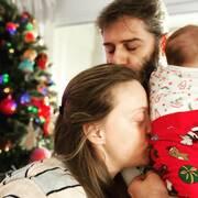 Ο Αλέξανδρος Μπουρδούμης σύντομα θα γιορτάσει τα πρώτα γενέθλια του γιου του. Η Λένα Δροσάκη έφερε στον κόσμο το μωρό τους στις 22 Ιουλίου.