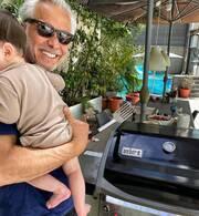 Ξετρελαμένος με τον γιο του είναι ο Χάρης Χριστόπουλος.Είναι το πρώτο του παιδί και στις 23 Ιουλίου θα γίνει ενός έτους.