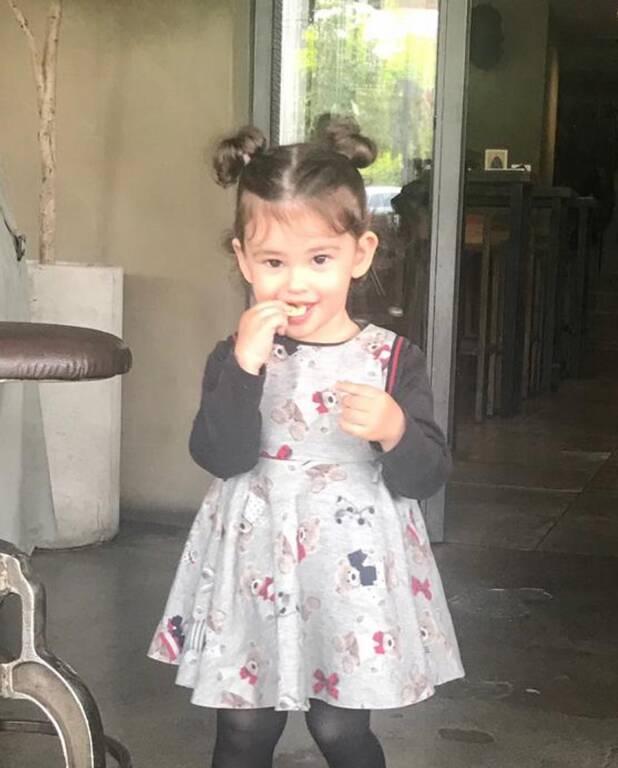 Αυτή είναι η κούκλα κόρη του Μάνου Πανταζή  (εικόνες)
