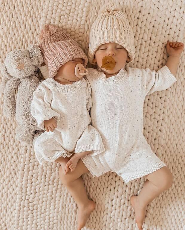 Οι αναρτήσεις αυτής της μαμάς με τα μωρά της είναι πολύ ιδιαίτερες (εικόνες)
