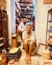 Βίκυ Καγιά: Μπιάνκα και Κάρολος φτιάχνουν κεραμικά - Δείτε εικόνες
