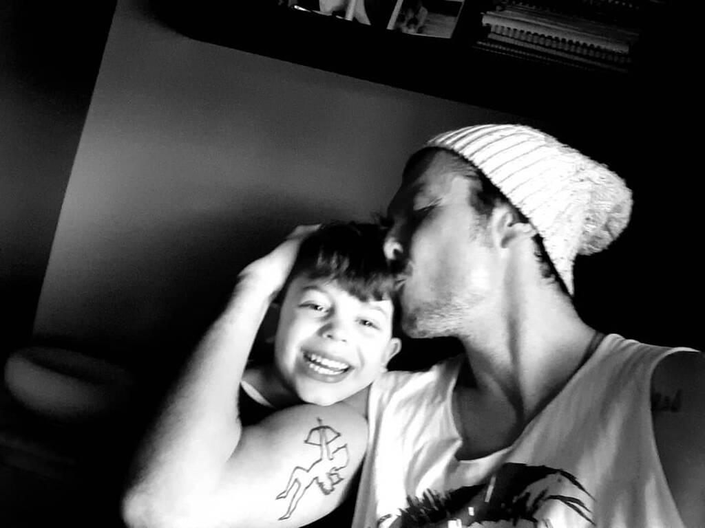 Ιωάννης Παπαζήσης: Φωτογραφίζεται μετά από καιρό με τον γιο του