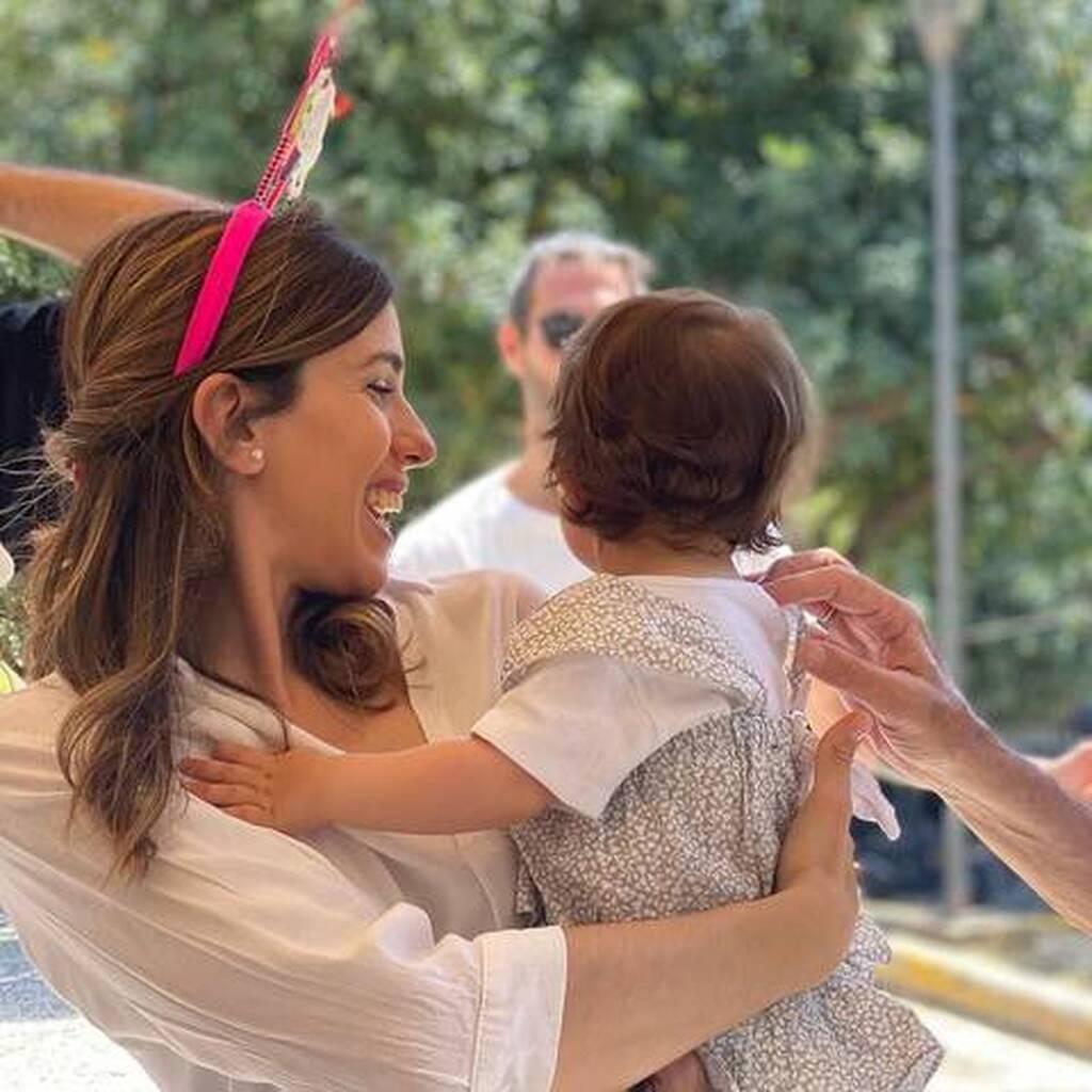 Αλεξάνδρα Ταβουλάρη: Δείτε πώς φωτογράφισε την ενός έτους κόρη της