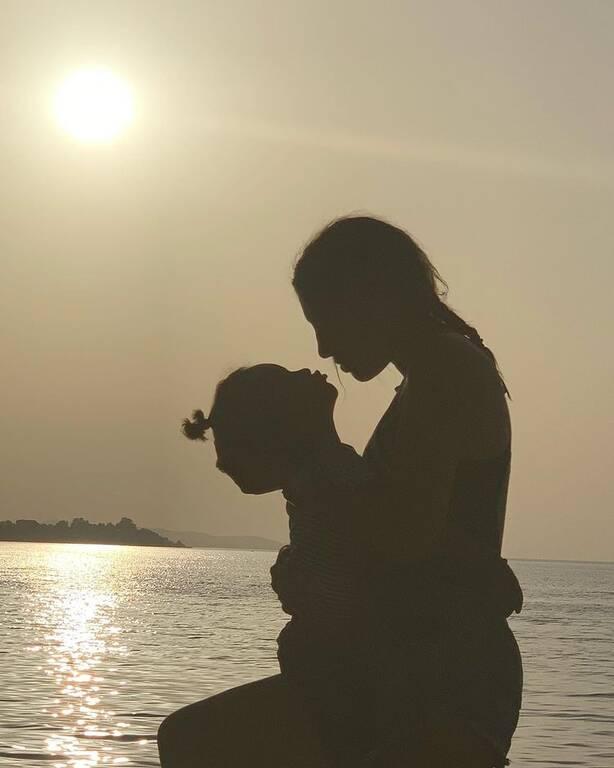 Ησαΐας Ματιάμπα: Οι ονειρικές οικογενειακές φωτογραφίες από τις διακοπές