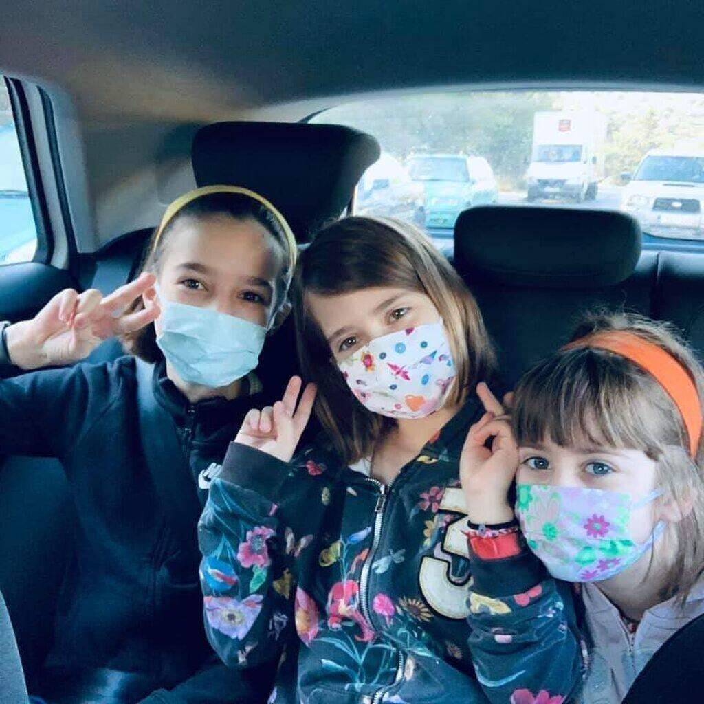 Μάξιμος Μουμούρης: Στην Επίδαυρο με τις κόρες του – Σπάνια φώτο