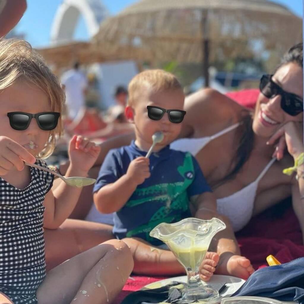 Φλορίντα Πετρουτσέλι: Οι απίθανες φώτο των παιδιών της από τις διακοπές