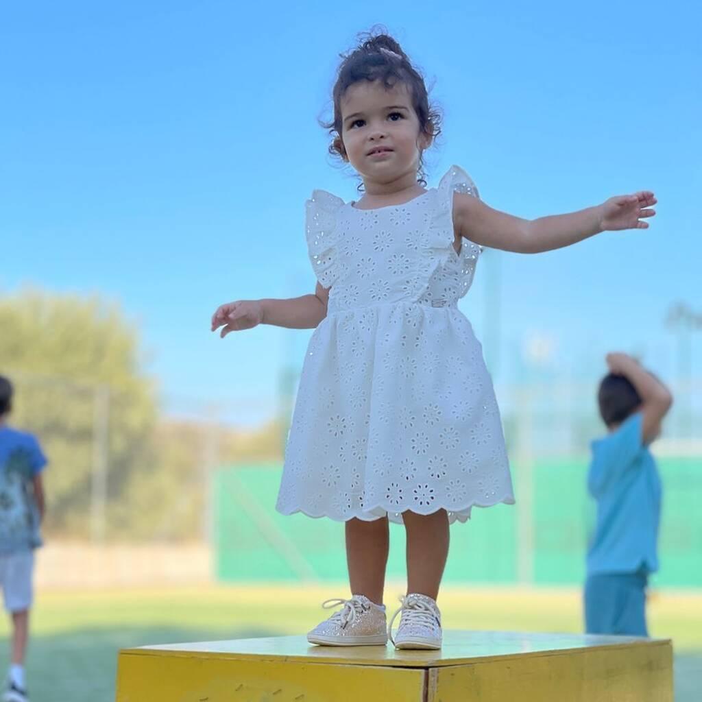 Ελένη Χατζίδου: Η μικρή Μελίτα παίζει με την γιαγιά της στο σπίτι