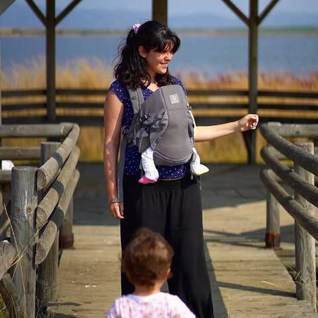 Ηλέκτρα Αστέρη: Η φώτο με την κόρη της και τον Ευτύχη Μπλέτσα στη θάλασσα
