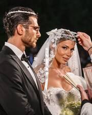 Ετεοκλής Παύλου: Νέα φώτο από το γάμο του με την μητέρα και τον αδελφό του