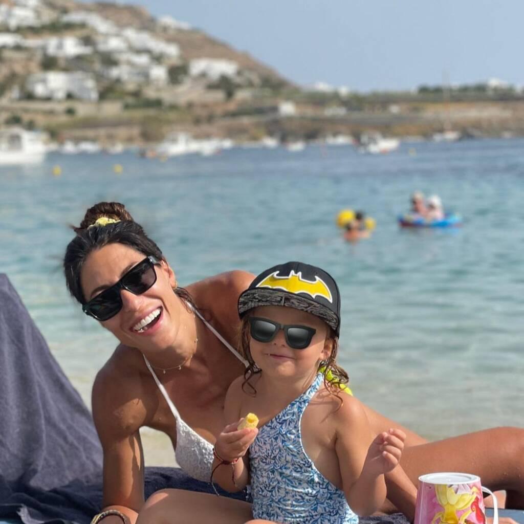 Φλορίντα Πετρουτσέλι: Ο γιος της απολαμβάνει το πρωινό του