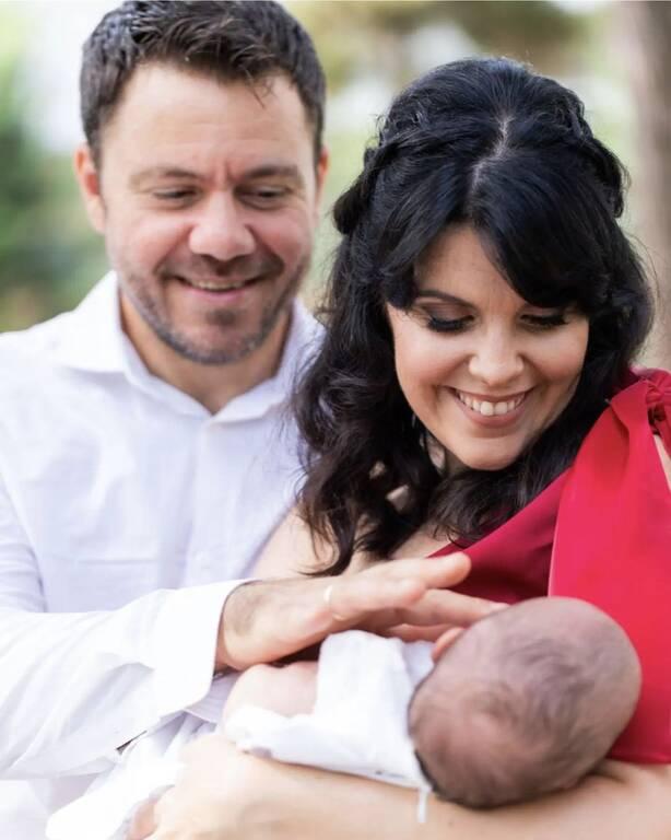 Μπλέτσας- Αστέρη: Η πρώτη φωτογραφία από τη βάφτιση της Νεφέλης & της Ίριδος